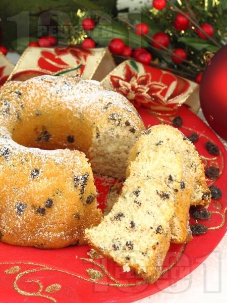 Коледен кекс със стафиди - снимка на рецептата